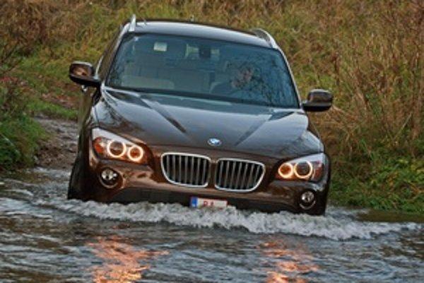 Aby boli správne pochopené miery a zaradenie nového modelu, mal by niesť označnie X2. S jednotkou totiž nemá nič spoločné. Iba to, že je to prvé BMW v modelovom rade X.