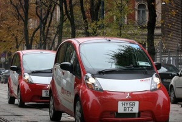 Mitsubishi iMiEV je plnohodnotný mestský elektromobil schopný nasadenia do našej premávky bez akýchkoľvek kompromisov.
