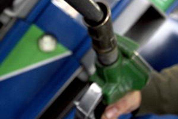 Daň z nafty klesne, no nie je jasné kedy.