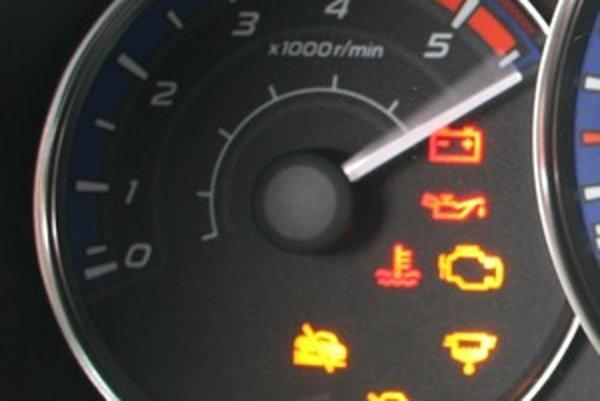 Za normálnych okolností by sa motor nemal poškodiť, pretože pracovník emisnej kontroly má stanovený presný postup a maximálne otáčky, na ktoré môže motor dostať. Rizikovým bodom môže byť zahrievanie motora, ktoré si technici občas urýchlia držaním motora