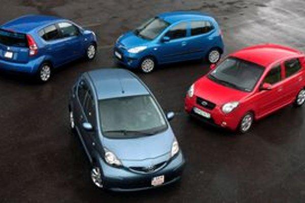 Miniauto už nemusí mať chudobnú výbavu a mizernú bezpečnosť. Bezkonkurenčne najviac priestoru a komfortu ponúkne Suzuki Splash. Najlepšiu výbavu za najnižšiu cenu zasa Hyundai.