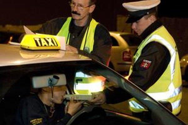 Eurobloky začne polícia používať po skončení dvojakého obehu.