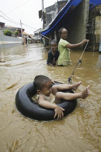 zaplavy-v-indonezii.jpeg