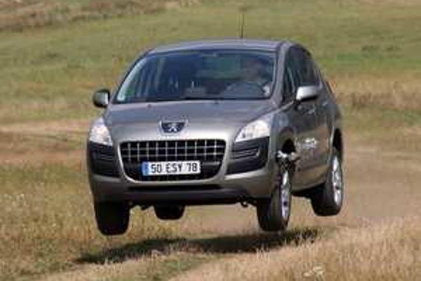 Peugeot 3008 je vydarené auto, schopné dobre zvládať nástrahy poľných ciest.