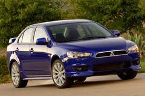 Modelový rad Lancer preslávili v automobilových súťažiach úspešné  športové verzie Evolution. Nový model má v sebe patričnú dynamiku, priam predurčenú na vývoj  verzie EVO X, ktorá bude mať výkon okolo 300 koní.