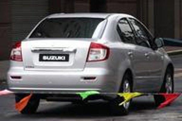Prvé zábery nového Suzuki SX4  Sedan . Verzia je určená pre ázijské trhy ( Čína a Japonsko), americký trh (USA, Canada ),  k nám na trh sa dostane v septembri. .