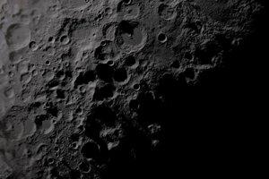 Indická misia sa pokúsi pristáť na južnom póle Mesiaca.