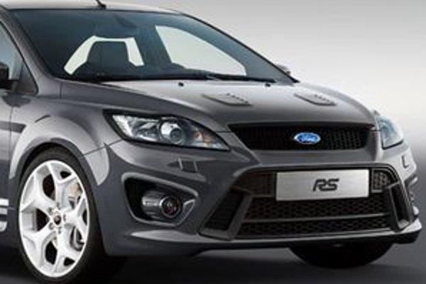 Konkrétne technické údaje i podoba štúdie Ford Focus RS budú odhalené na autosalóne v Londýne v júli tohto roku.