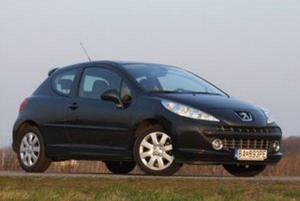Na Slovensku bolo do konca februára 2008 predaných celkovo 2 017 vozidiel Peugeot 207.