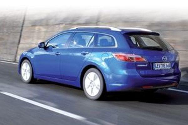 Vozidlo ochotne zatáča a veľmi ľahko a precízne sa ovláda.