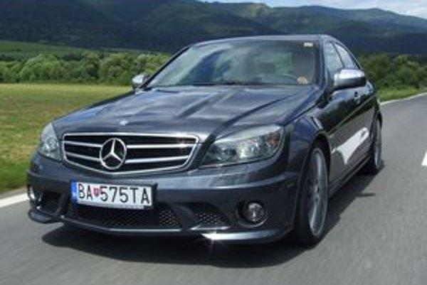 Vznešená verzia C63 AMG má ohromujúce zrýchlenie a famózny zvuk.