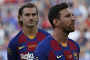 Lionel Messi (vpravo).