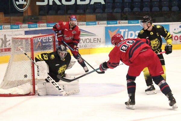 Prvý gól HKM zvolen z hokejky Bonisa.