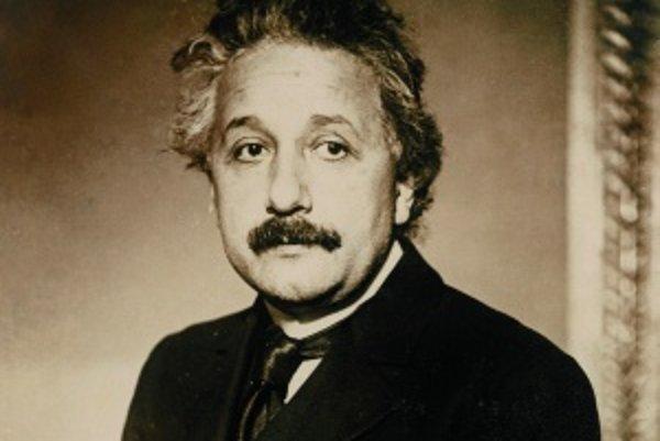 Štyridsaťdvaročný AlbertEinstein v roku 1921, keďzískal Nobelovu cenu zafyziku