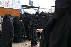 Tábor Al-Hol v Sýrii.