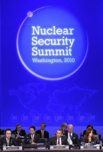 nuklearny_summit_5_ap.jpg