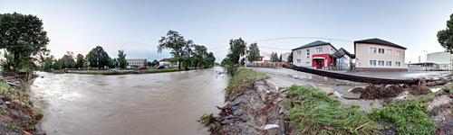 Zničený železný most v Prievidzi oproti Nestlé