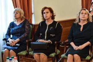 Tri kandidátky na post predsedu Najvyššieho súdu zľava Jana Bajánková, Ivetta Macejková, Soňa Mesiarkinová
