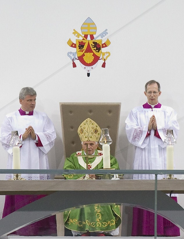 pope4-820.jpg
