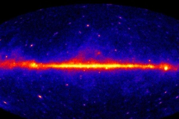 Takto vyzerá hviezdna obloha plná gama žiarenia.