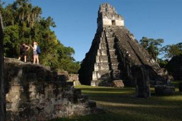 Chrám v Tikale, symbol zašlej slávy mayskej civilizácie.