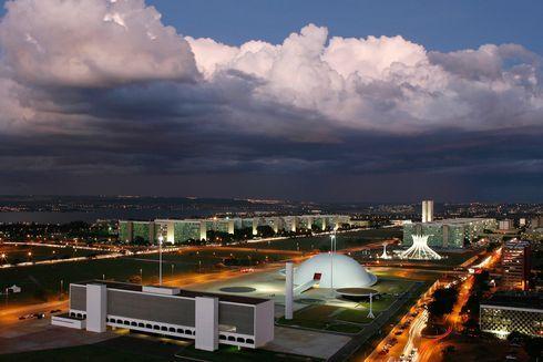 sm-1207-016-brasilia.rw_res.jpg