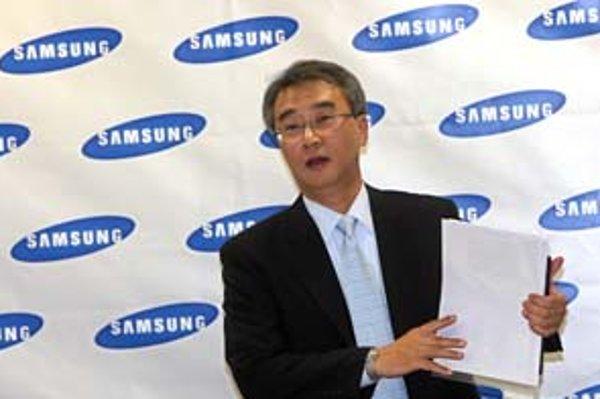 Viceprezident Samsungu Yeongduk Cho včera pri otvorení nového závodu vo Voderadoch vysvetlil plány spoločnosti Samsung do budúcnosti.