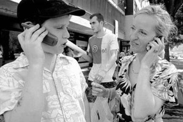 Ľudia si operátora často vyberajú podľa toho, koho služby využívajú ich blízki. Chcú sa tak vyhnúť hovorom do cudzej siete, ktoré sú u nás drahšie než vo väčšine krajín únie.