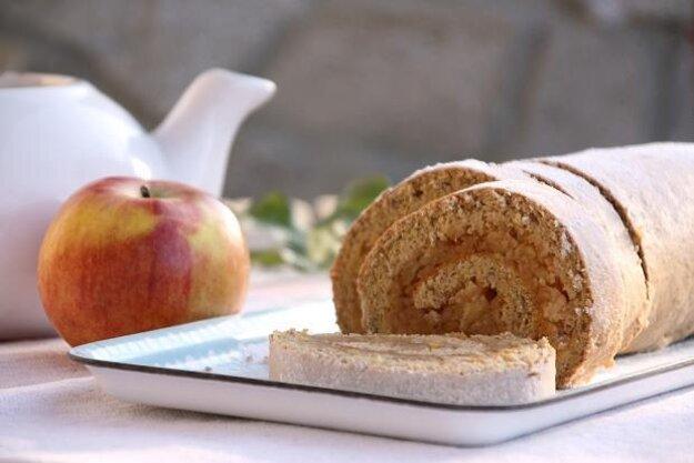 Rýchla prevrátená jablková roláda