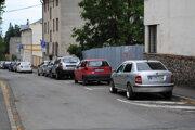 Parkovanie vo Vranove.