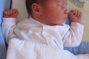 Simon Šaling (50 cm, 3650 g) sa narodil 9. augusta Zuzane a Gáborovi Šalingovcom z Levíc.