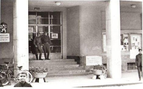 hl.vchod-mnv-21.8.1968--1-_r6854.jpg
