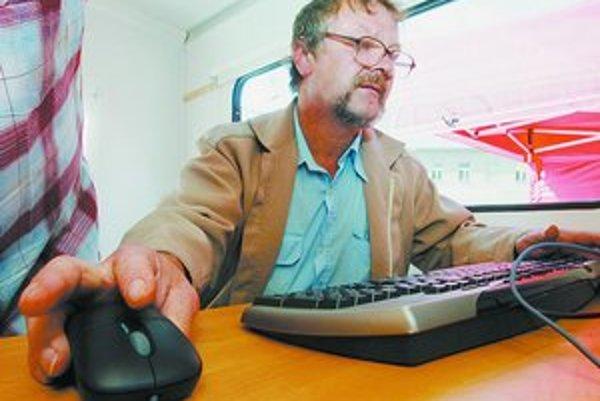 Slovenskí zákazníci sú na internete opatrní – najskôr si objednávajú drobné veci a až po prvých pozitívnych skúsenostiach objednávky zvyšujú a sú ochotní zaplatiť aj vopred.