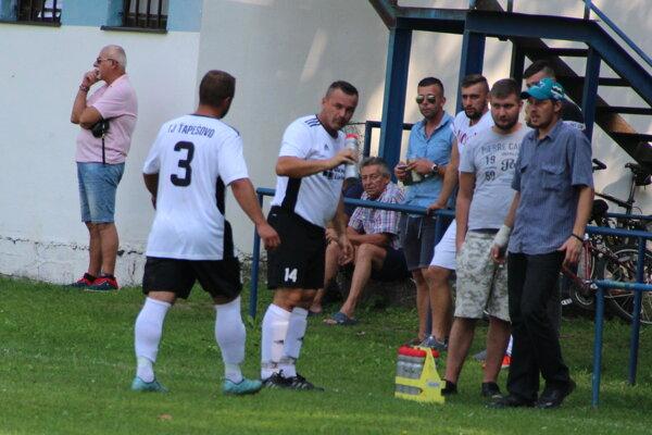Ťapešovo dalo víťazný gól v Lomnej v 90. minúte.
