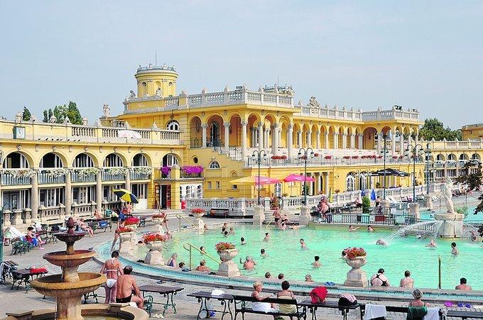 budapest_szechenyi_foto-wikipedia_r5262_res_res.jpg