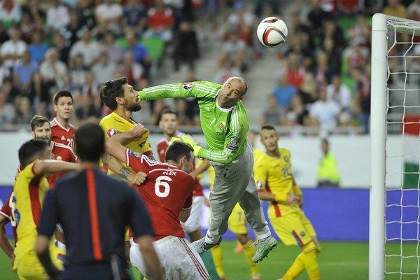 hungary_romania_euro_soccer-94baf2551155_r6891_res.jpeg