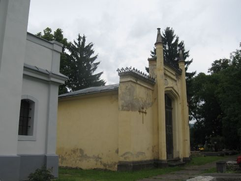hrobka2.jpg
