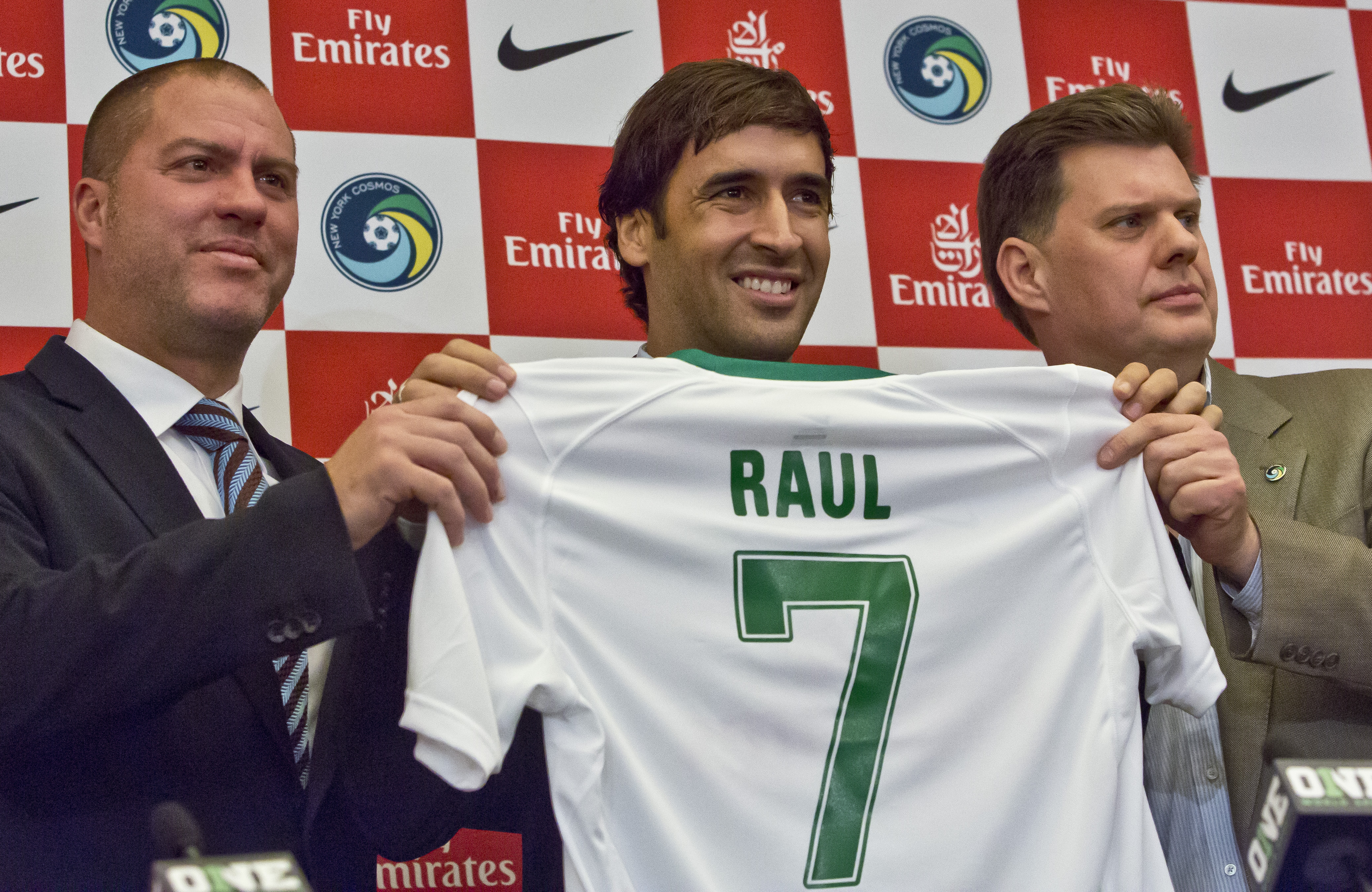 cosmos_raul_retires_soccer-80565b4f5dad4_r6989.jpeg