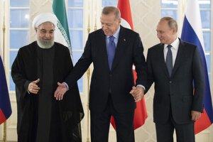 Iránsky prezident Rúhání, turecký prezident Erdogan a ich ruský kolega Vladimir Putin.
