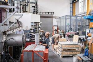Kontrola vyrobených čapov pre francúzsky jadrový priemysel.