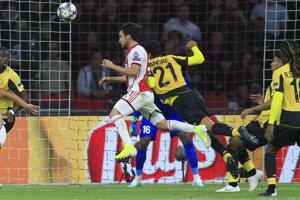 Momentka zo zápasu Ligy majstrov medzi Ajaxom a Lille.