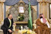 Minister zahraničných vecí Mike Pompeo rokuje v saudskoarabskej Džidde s korunným princom Salmánom o odozve na nedávne útoky na saudské ropné zariadenia.