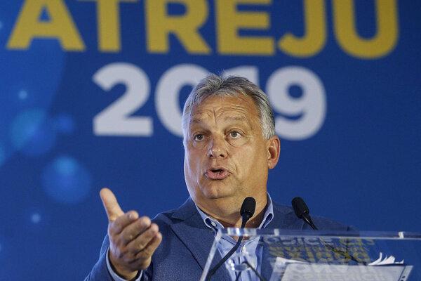 Orbán v Ríme.