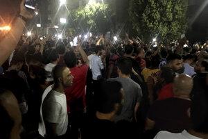 Demonštranti v Káhire.