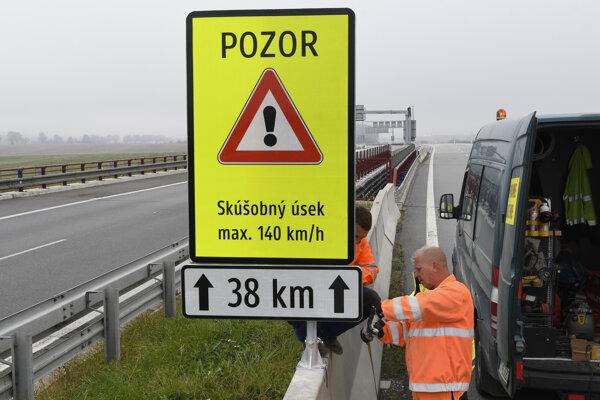 Štát na diaľnici pod Tatrami skúša vyššiu rýchlosť.