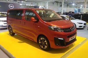 Opel novú Corsu nepriviezol, výstavnou novinkou ostáva Zafira Life.