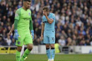 Harry Kane (vpravo) a jeho reakcia počas zápasu Tottenhamu proti Brightonu.