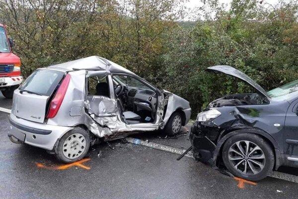 Po tragickej nehode zomrela spolujazdkyňa z Fiatu Punto.