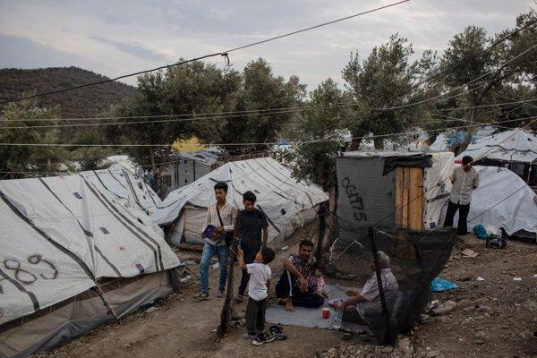 Stany pred táborom Moria na gréckom ostrove Lesbos ešte pred tým, ako tábor vyhorel.