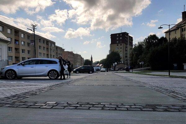 Na Dolnej ulici vzniklo nové parkovisko.